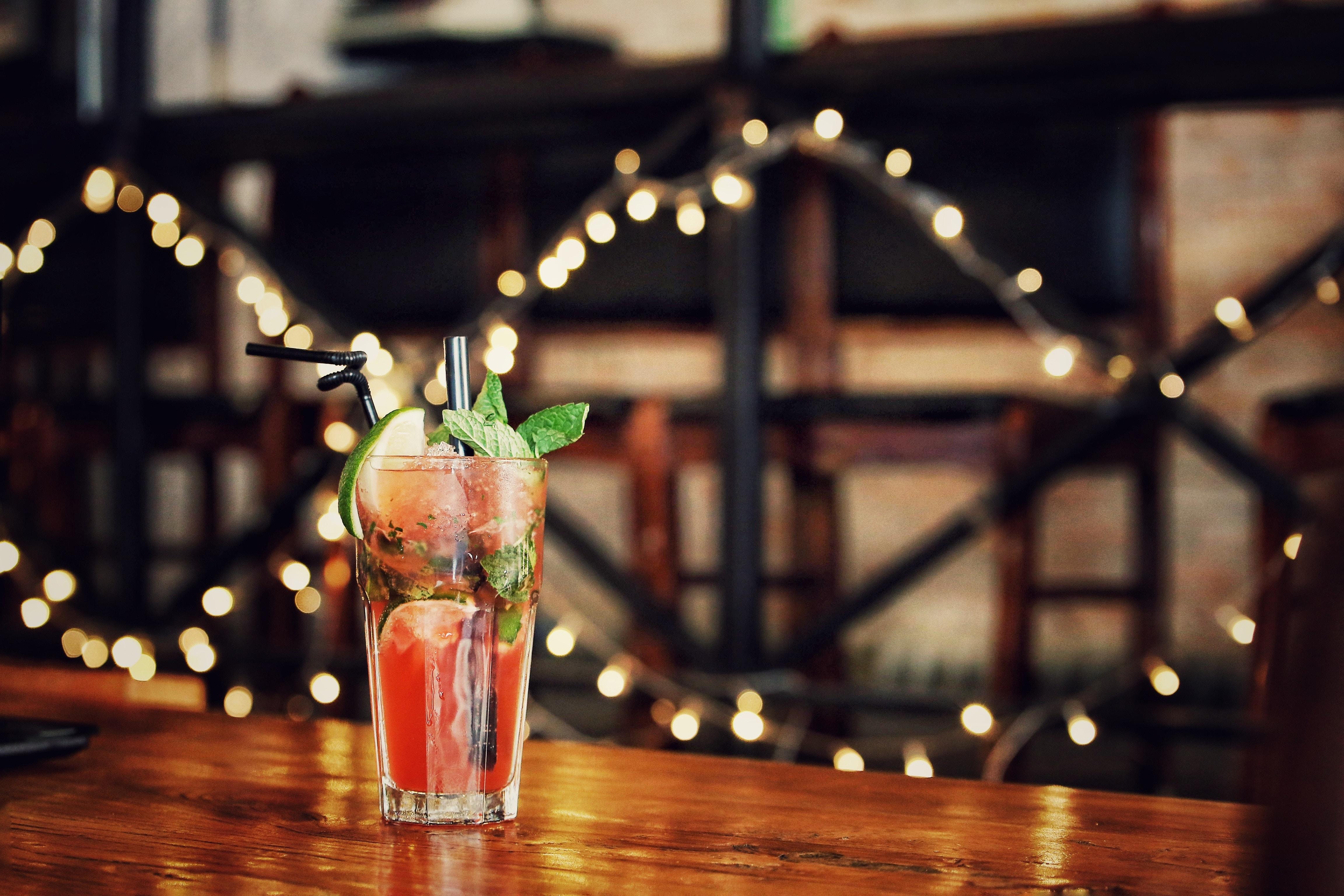 Cocktail in un bar di Londra