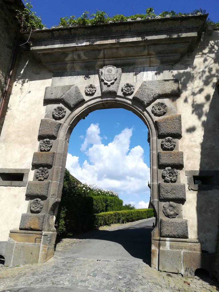 Arco all'entrata del Castello di Bracciano