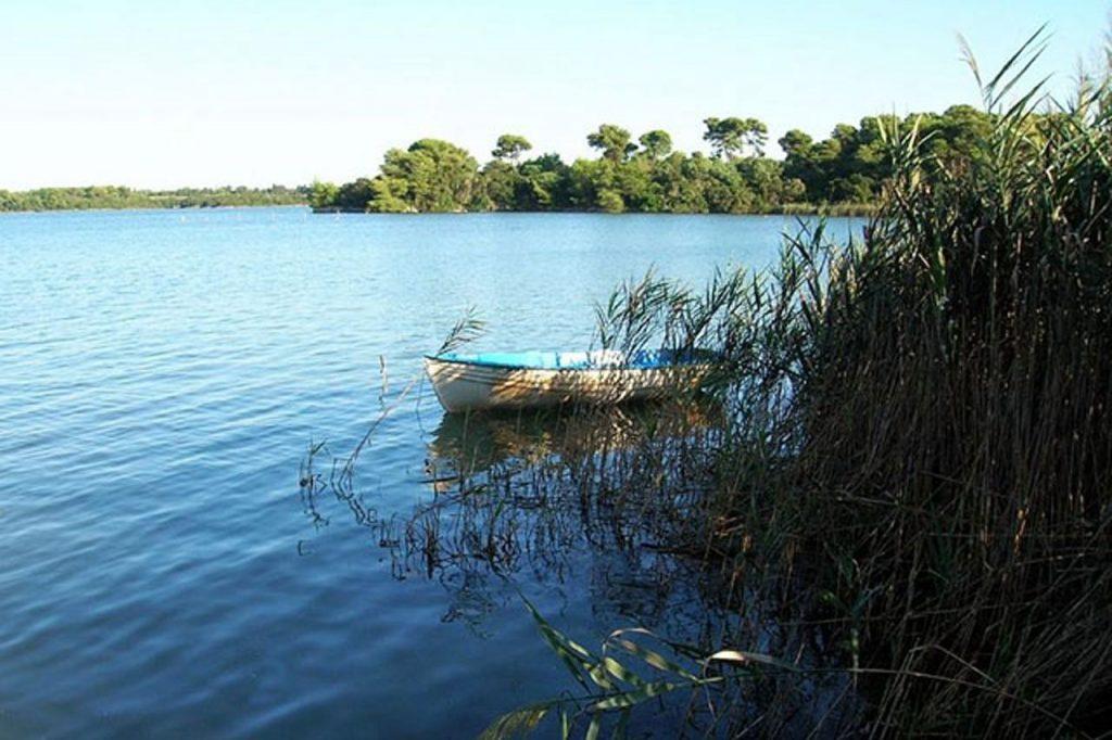 Veduta dei laghi Alimini