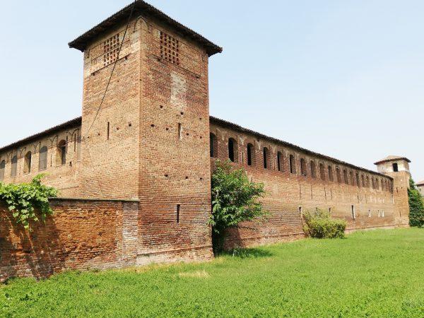 Il Castello di Scaldasole, uno dei tanti della Piccola Loira di Lombardia: la Lomellina