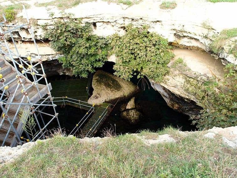 Grotta della Poesia Piccola